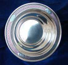 Antike, edle, große Rund-SCHALE, um 1910. Antique, beautiful large Sterling SILVER BOWL, dated about 1910.